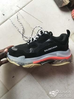 balenciaga triple s black Footwear Carousell Malaysia