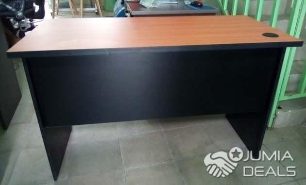 Table bureau meilleure qualité de la matière très confortable