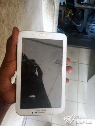 Tablette Samsung Galaxy Tab3 Prend Une Puce Et Une Carte Memoire Cocody Jumia Deals