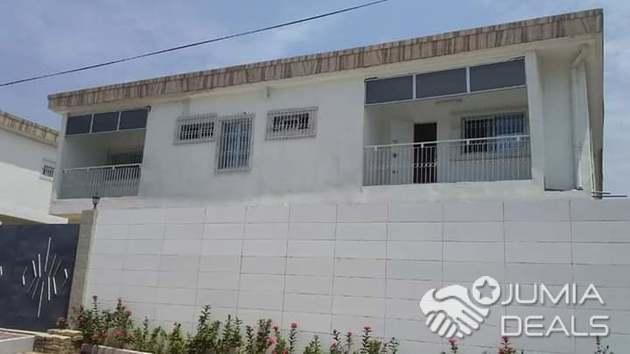 Duplex de pièces à louer pour bureau ou habitation à angré ème