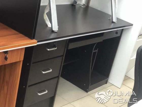 Tables bureau meilleure qualité de la matière koumassi jumia