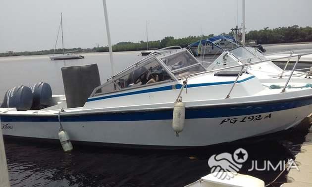 Vente bateau 7m avec 2 moteurs 115CV Yamaha 4T - Gabon