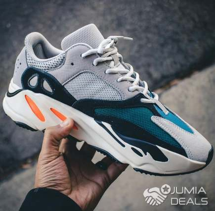 uk availability 8aeed f289e Adidas wave runner 700
