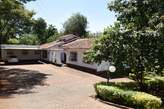 Charming and very Lovely 4 Bedroom Bungalow To Let - Kenya