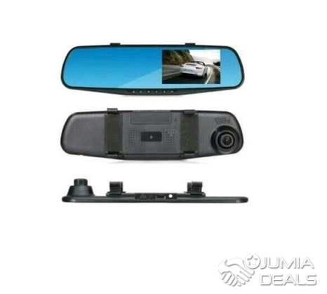 Caméra De Surveillance Et De Recul