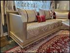 Un salon traditionelle  avec table - Maroc