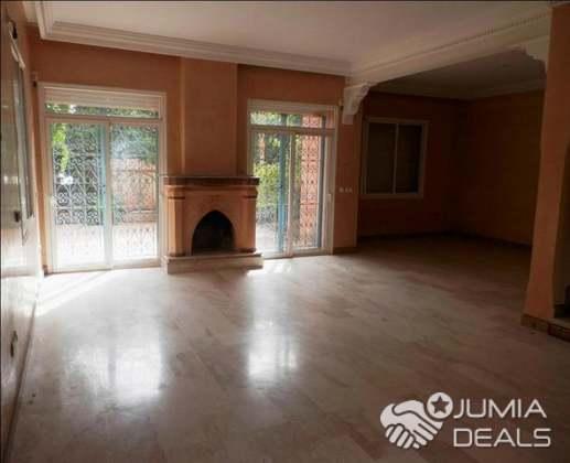 A Louer Belle Villa De 3 chambres  Vc Piscine à Targa