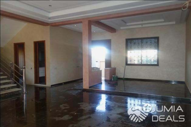 Villa à Louer 6 Chambres  à Targa