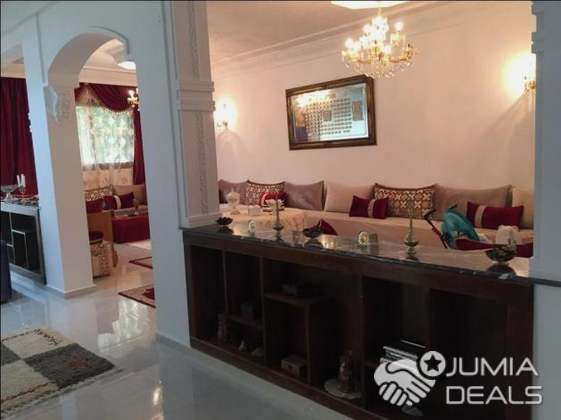 magnifique villa 3000 m2  avec piscine a kenitra