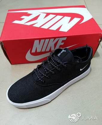 4a011d0ab80 Sapatilhas Nike Rasas - Moçambique