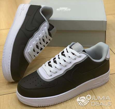 e8008bbc Nike Air Force 1 LV8 DBL