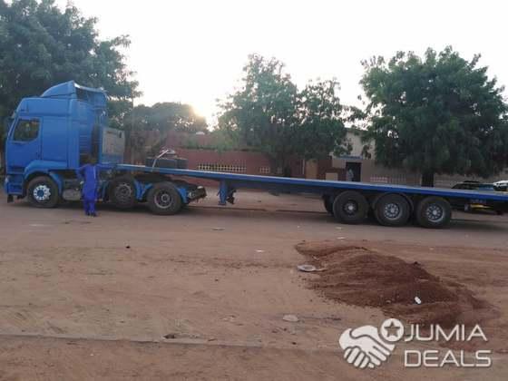 Camion A Vendre >> Camion Huit Roues Renauld Dl A Vendre
