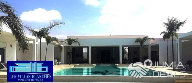 Villa De Luxe Plain Pied De 400 M² (4 Pièces)   Sénégal