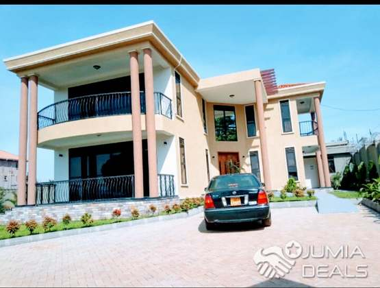 Munyonyo another modern mansion on sell