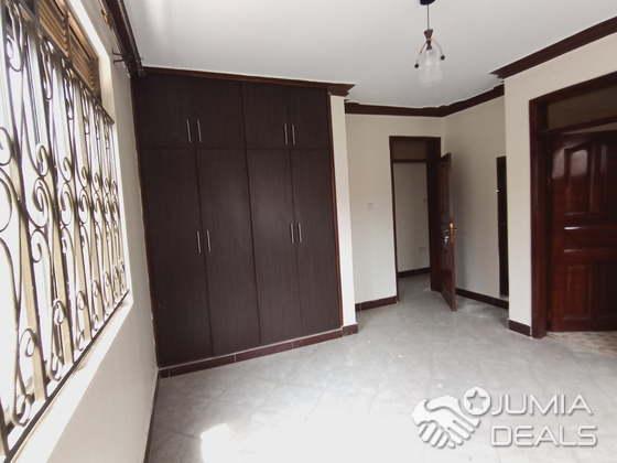 Specious 8 rental units apartment for sale Najeera ...